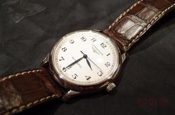一块一万五的浪琴手表回收大约能卖多少钱