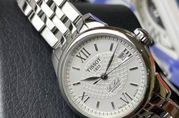 3千多买的天梭手表回收多少钱款式是关键